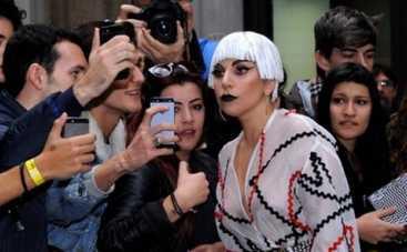 Леди Гага лечит фанатов, а Джастин Бибер исполнил мечту своей больной поклонницы (ФОТО)