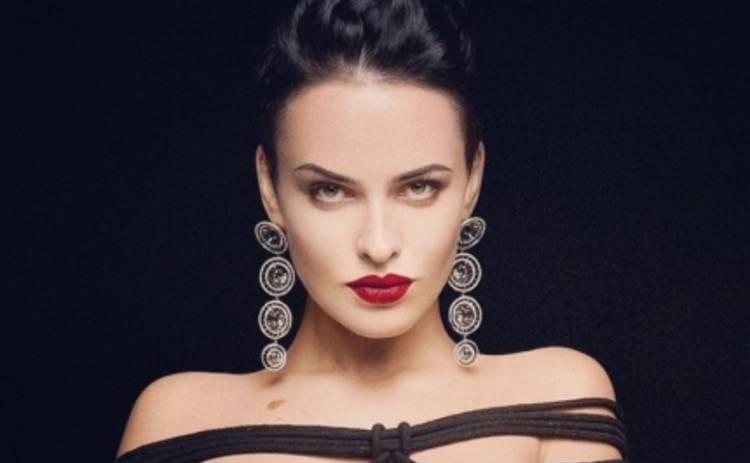 Даша Астафьева раздражает поклонников своими голыми снимками