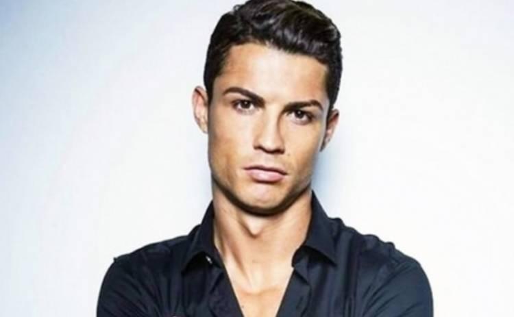 Криштиану Роналду поиграл мускулами в рекламе нижнего белья (ВИДЕО)