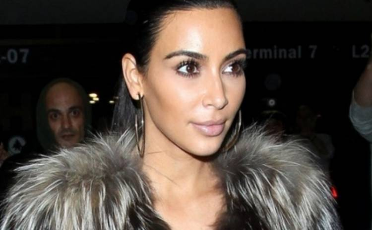 Ким Кардашьян напугала фанатов сигаретой с голой попой (ФОТО)