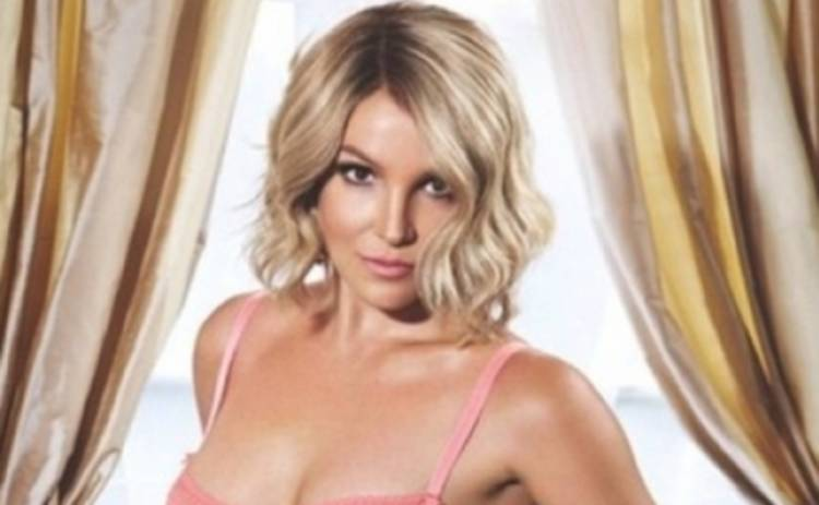 Бритни Спирс обвинили в злоупотреблении фотошопом (ФОТО)