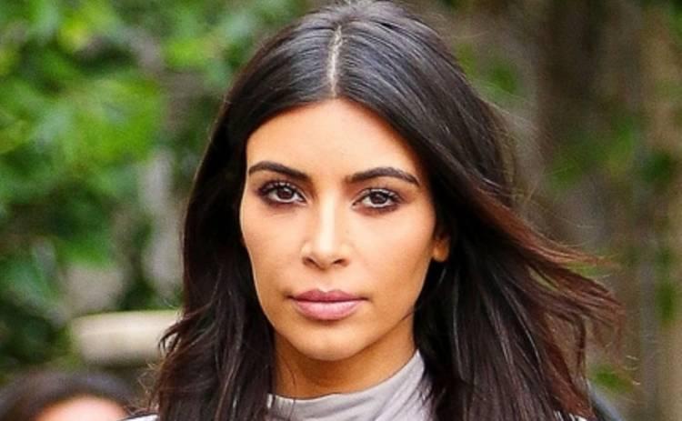 Ким Кардашьян шокировала голой попой (ФОТО)