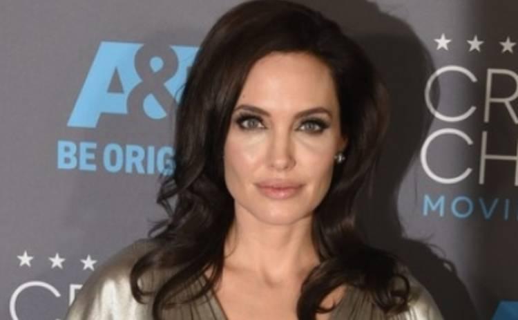 Анджелина Джоли шокировала своей худобой (ФОТО)