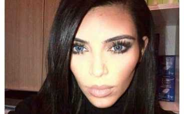 Ким Кардашьян фотошопит свои селфи