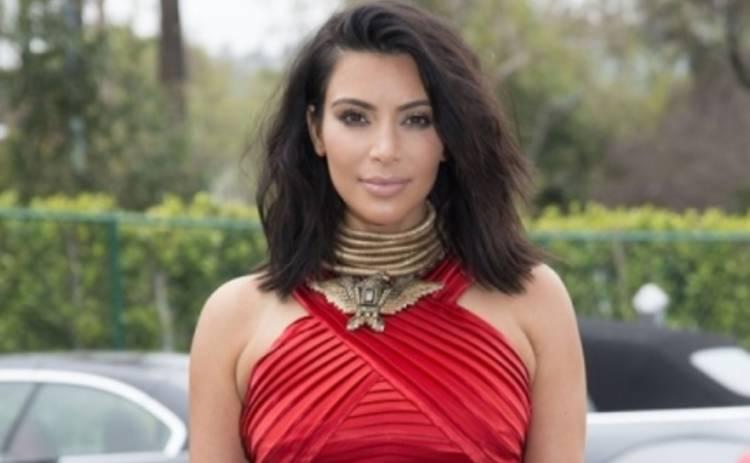 Ким Кардашьян сделала селфи в леопардовых стрингах (ФОТО)