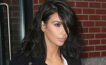 Ким Кардашьян использует дочь как аксессуар