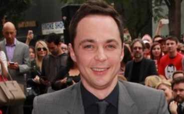 Джим Парсонс из Теории большого взрыва получил звезду на Аллее славы в Голливуде (ФОТО)