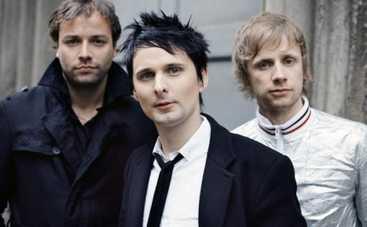 Muse представила новый видеоклип о психозе войны и любви