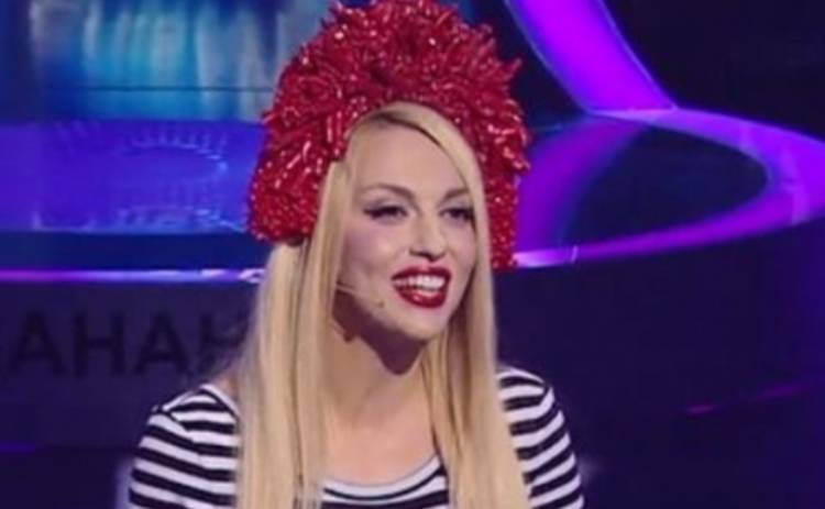 Співай як зірка: Оля Полякова украсила себя фаршем
