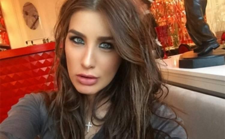 А-Студио: солистка показала лицо без макияжа (ФОТО)