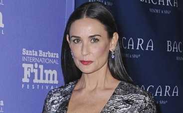 Деми Мур: дочь актрисы выложила в интернет обнаженные фото своей матери (ФОТО)