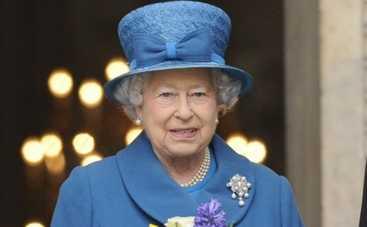 Королева Елизавета II проведала новорожденную правнучку
