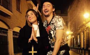 Орел и Решка: Алан Бадоев пел серенады Жанне Бадоевой в Испании (ВИДЕО)