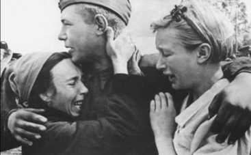День Победы 2015: слушаем 9 мая лучшие песни военных лет (ВИДЕО)