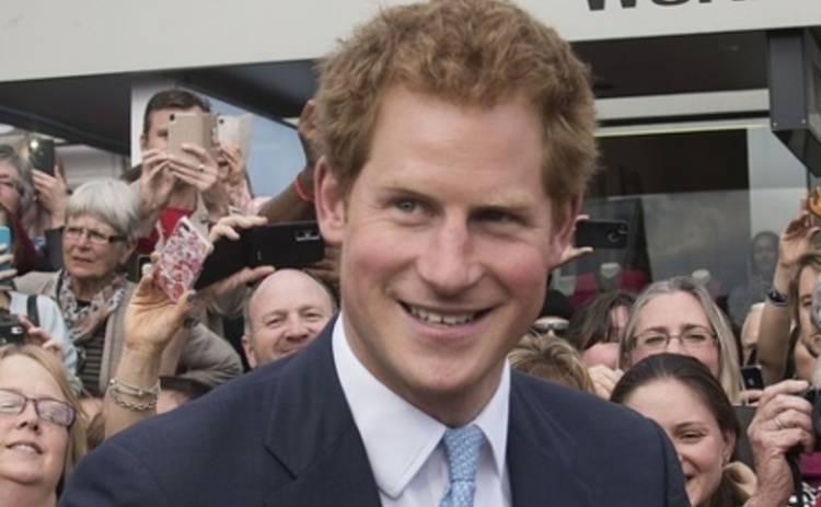 Принц Гарри подружился с ящерицей и ответил на личные вопросы (ФОТО, ВИДЕО)