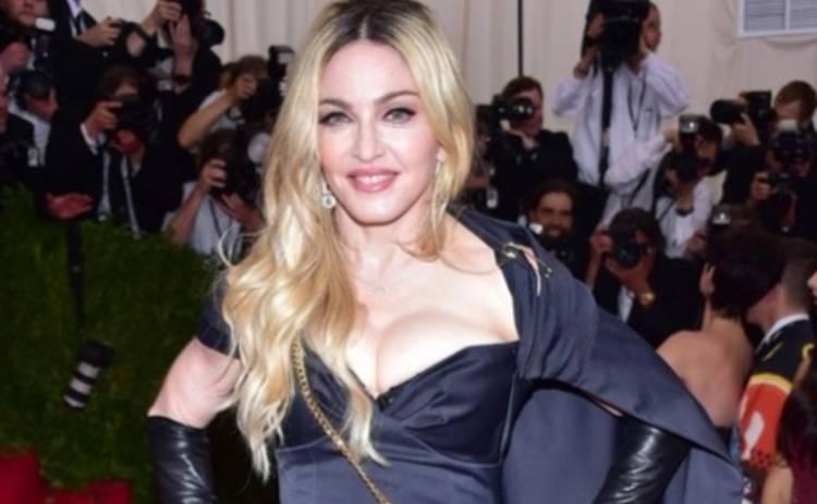 Мадонна пропагандирует бунтующие сердца (ФОТО)