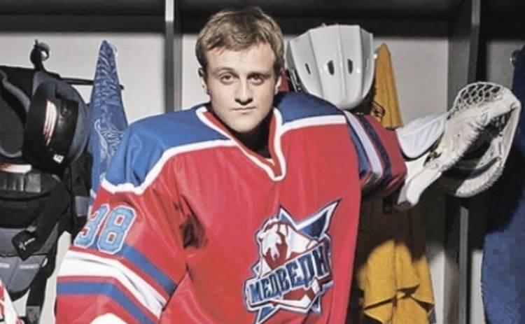 Молодежка: Игорь Огурцов сменил берцы на хоккейную клюшку
