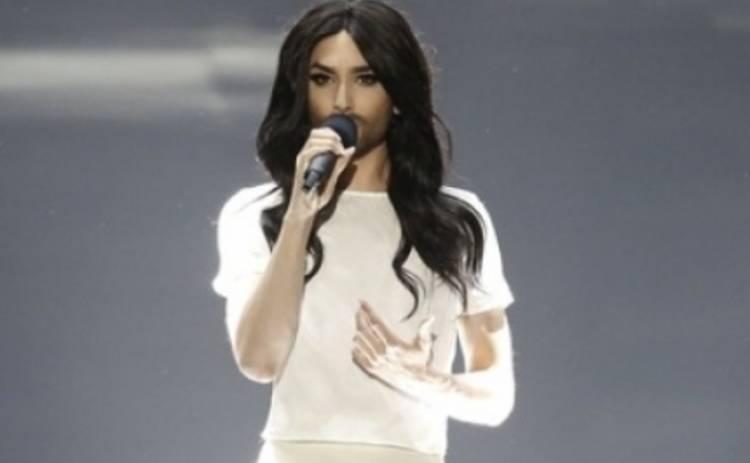 Евровидение 2015: Кончита Вурст клеилась к участникам в грин-руме