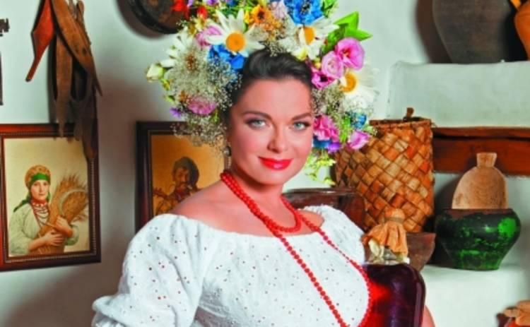 Наташа Королева прихватила бутыль вишневой наливки (ФОТО)