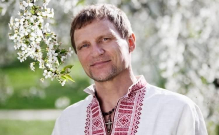 Олег Скрипка разгонит тучи над Украиной гигантским рушником