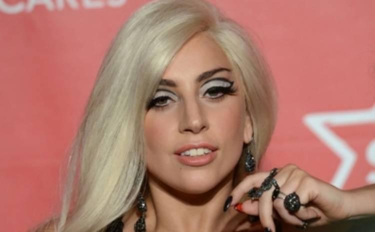 Леди Гага худеет к свадьбе