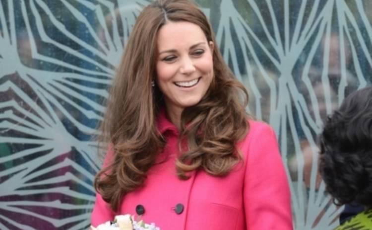 Кейт Миддлтон впервые появилась на публике после рождения принцессы Шарлотты (ФОТО)