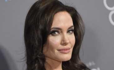 Теленеделя: Анджелина Джоли спасает брак разговорами и 5 правил семейного субботника