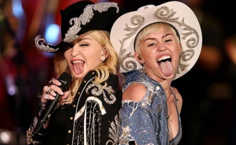 Мадонна скопировала Тейлор Свифт и использовала помощь зала (ФОТО)
