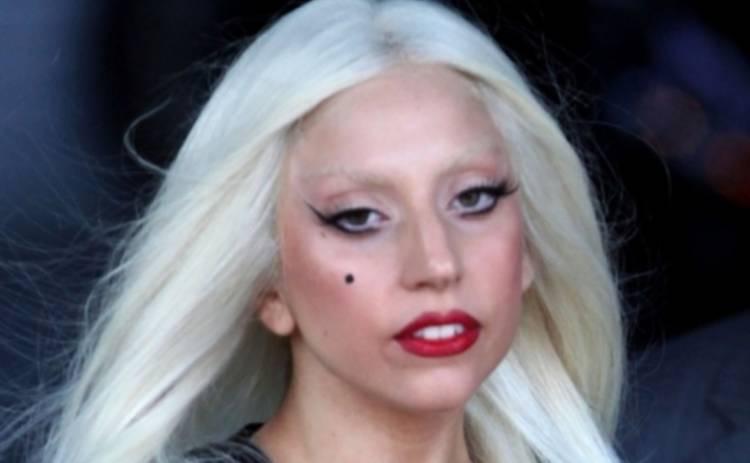 Леди Гага показала целлюлитную попу на Багамах (ФОТО)
