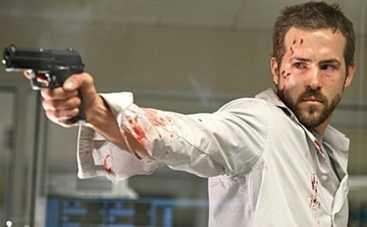 Вне себя: Райан Рейнольдс в трейлере фантастического триллера