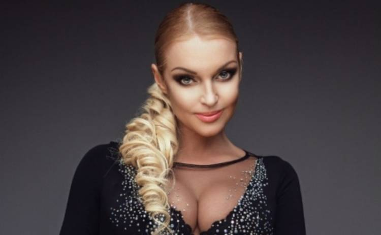Анастасия Волочкова: мама балерины юморит в Интернете