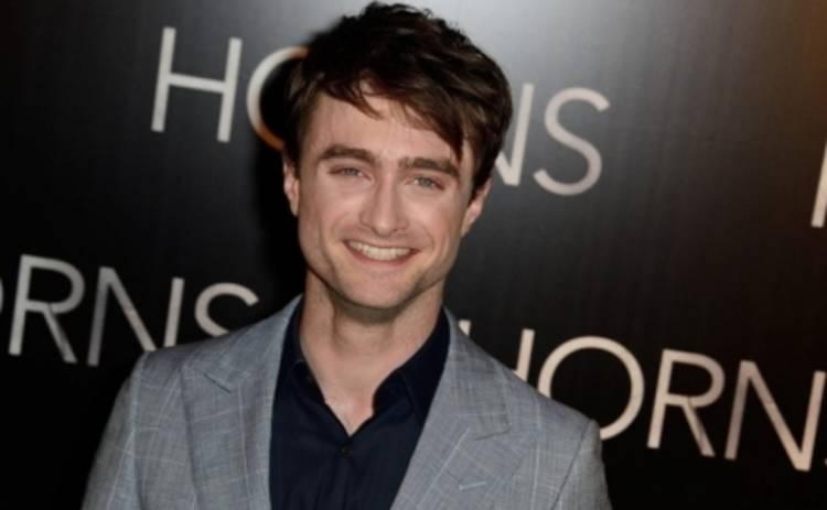 Гарри Поттер превращается в очень странного парня