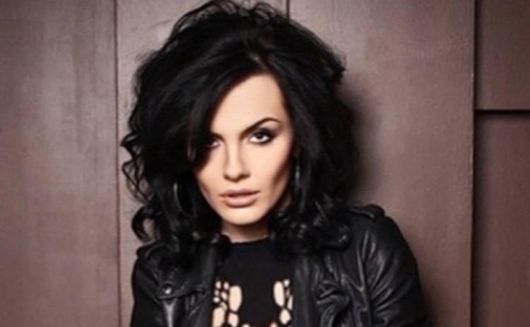 Эрика разозлила жителей киевской многоэтажки – в певицу запустили кирпичом (ВИДЕО)