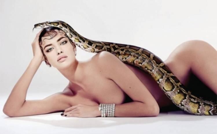 Ирина Шейк соблазнила своим голым телом огромную змею (ФОТО)