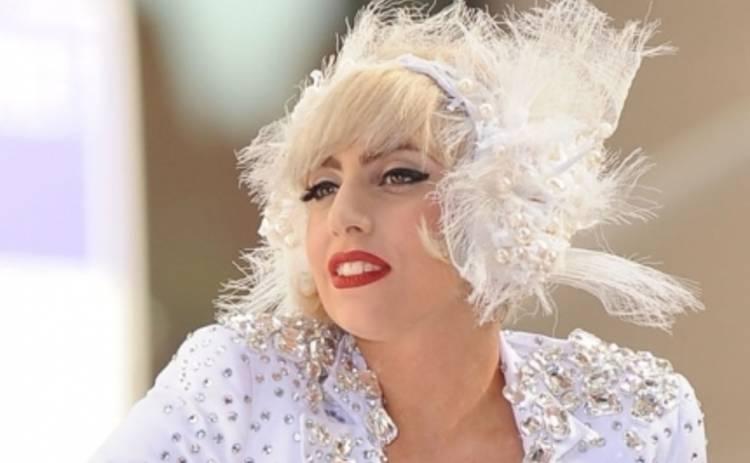 Леди Гага сделала шокирующее признание о причинах своего лишнего веса (ФОТО)
