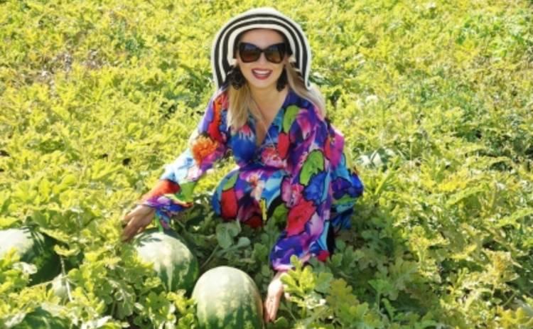 Лена Ленина нашла бесплатные арбузы для русских