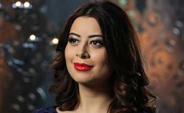 Холостяк 5: Рамина Эсхакзай поделилась своими секретами красоты