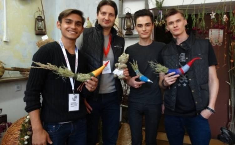 Славянский базар 2015: Эдгард Запашный и группа Герои научились делать мишек (ФОТО)