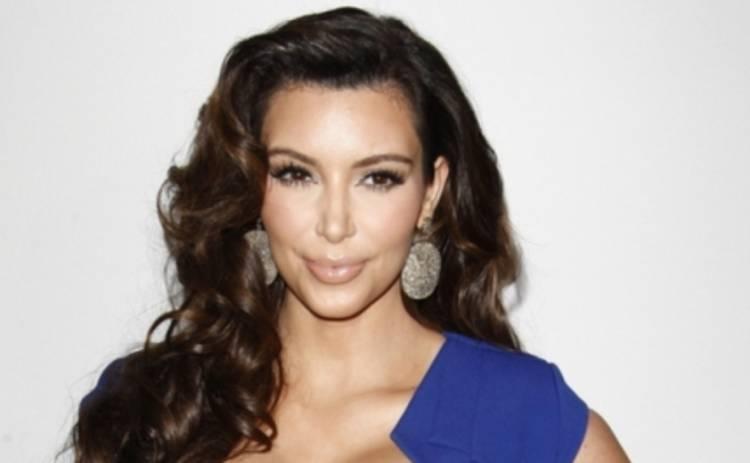 Ким Кардашьян отреагировала на слухи о том, что она не беременна