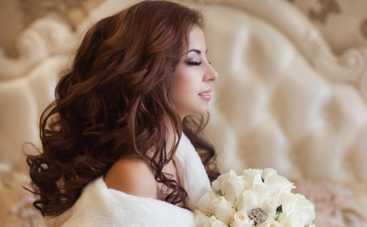 Мода 2015: свадебные прически – волной и с блеском