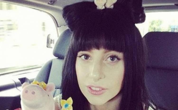 Леди Гага выбелила брови (ФОТО)