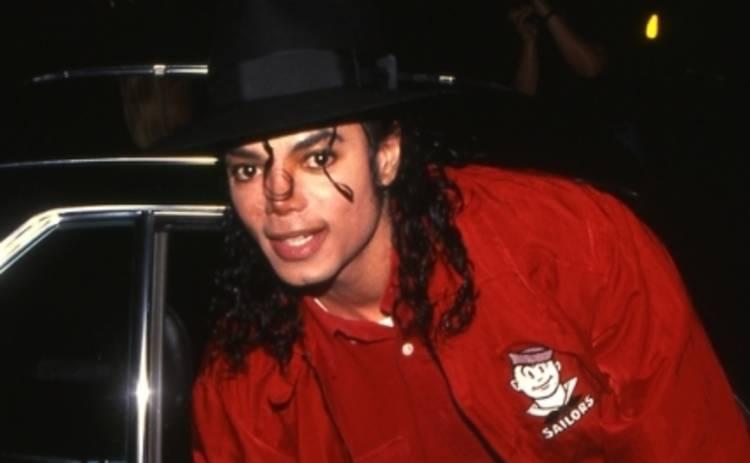 Майкл Джексон лишится перчатки