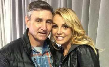 Бритни Спирс останется в финансовой зависимости от отца