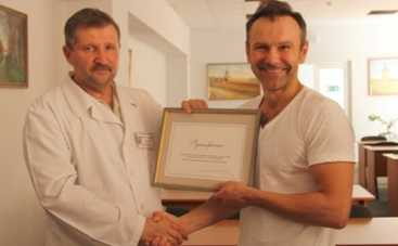 Святослав Вакарчук передал львовскому госпиталю дорогостоящий рентгенаппарат (ФОТО)