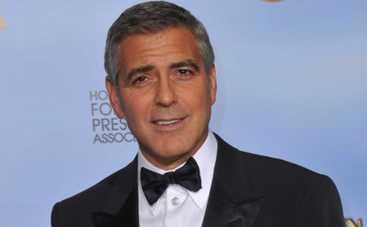 Джордж Клуни подложил фотобомбу Синди Кроуфорд (ФОТО)