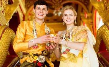 Мамахохотала-шоу сообразило свадьбу на троих в Таиланде