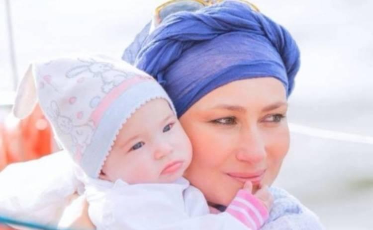 Алена Мозговая показала трогательное фото с дочкой