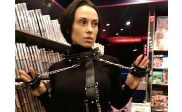 Солистку Nikita застукали в одном из секс-шопов Берлина (ФОТО)