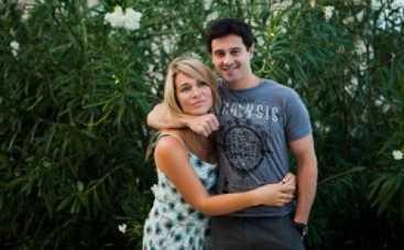 Антон Макарский с женой помогает украинскому Дому малютки