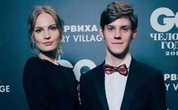 Сын Олега Табакова кутит с актрисой и поделился откровенными фото
